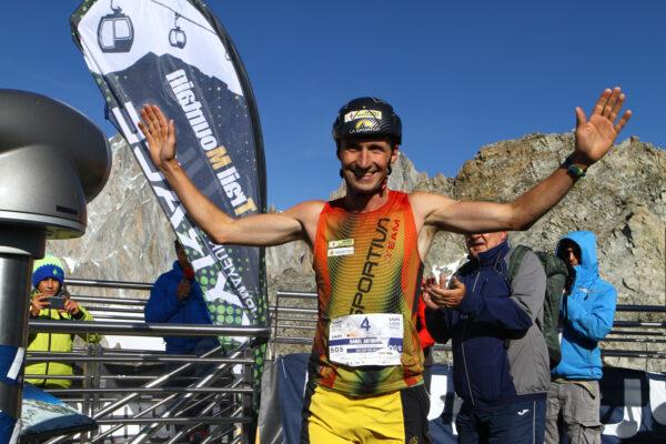 Nel Uyn vertical Courmayeur Mont Blanc braccia al cielo per Daniel Antonioli e Ilaria Veronese