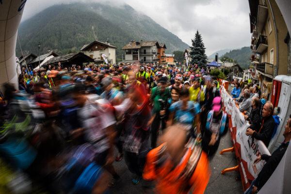 Dall'Italia alla Svizzera: sabato si corre il Collontrek. Al via da Bionaz 908 atleti; arrivo ad Arolla